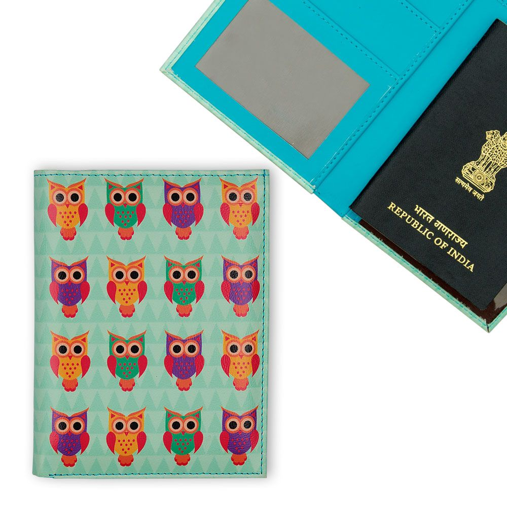 Disco Hedwig Passport Cover