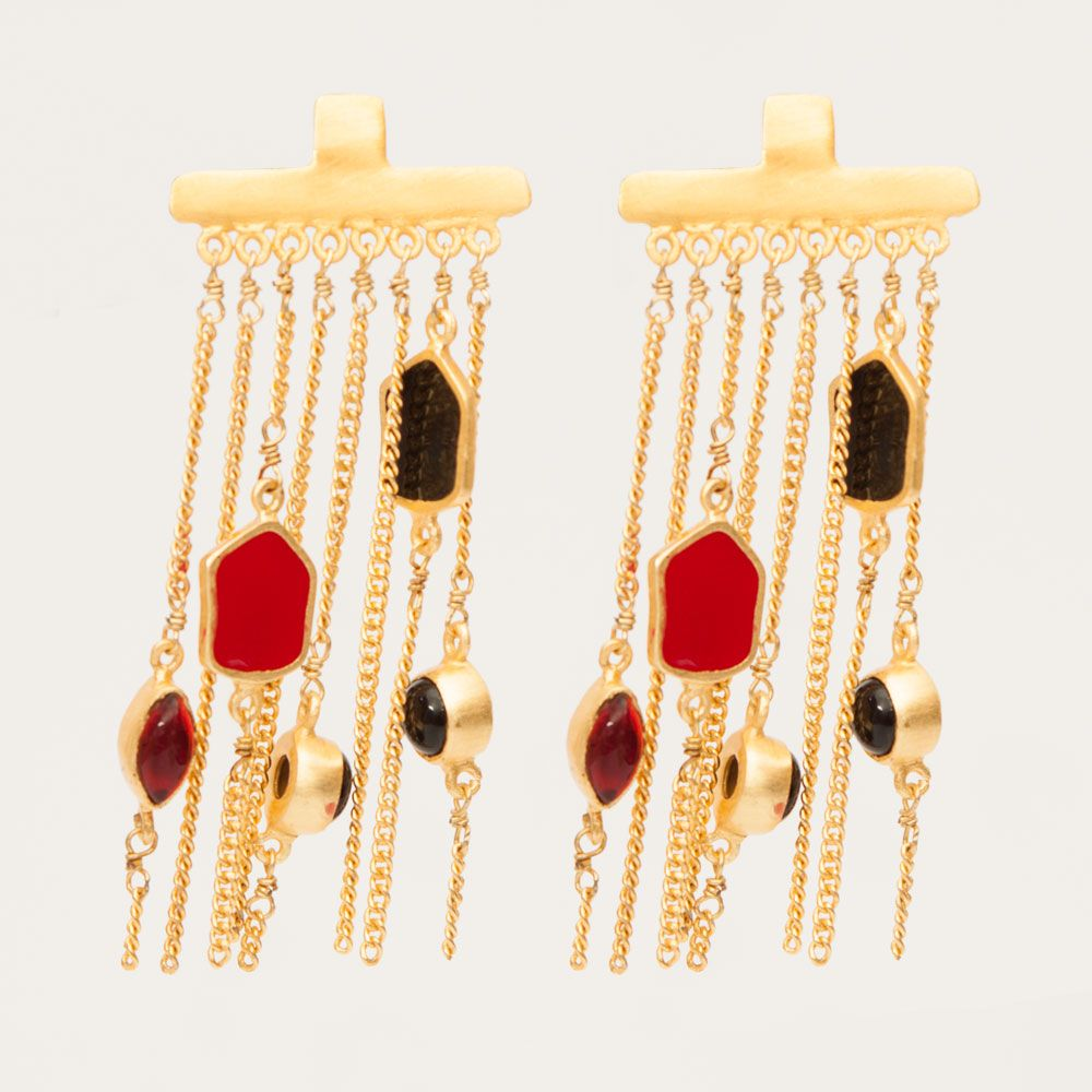 Charm dot earring: black and red