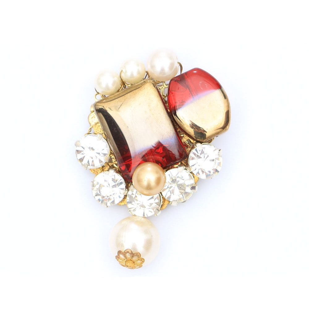 Pearls and stones brooch