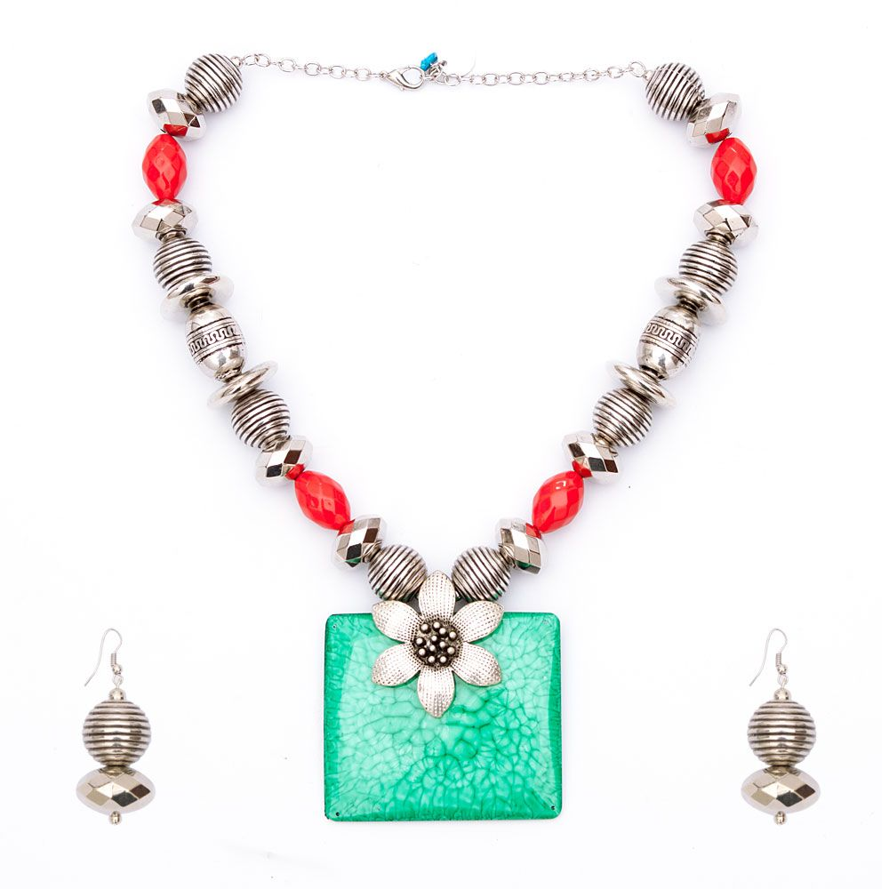 Beryl and Carmine Floral Necklace and Earring set
