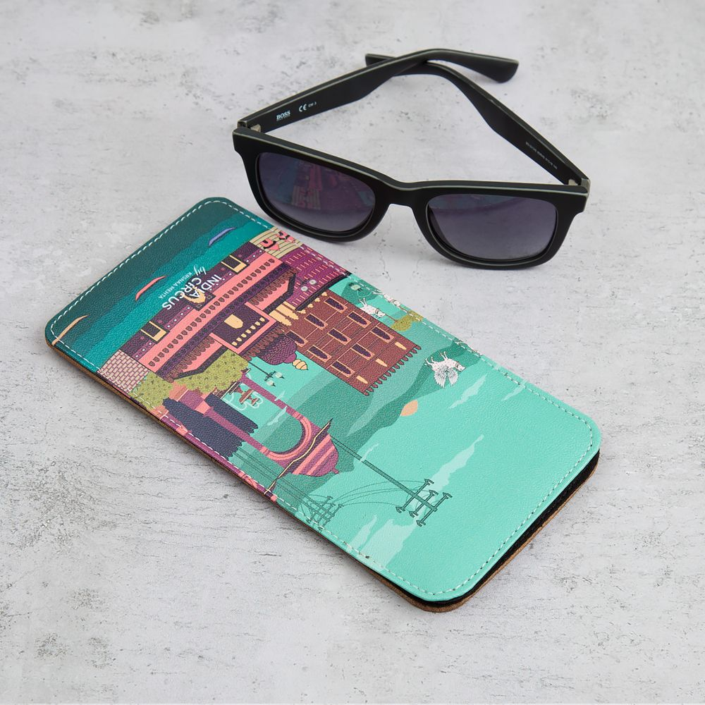 Venice of the East Spectacle Case