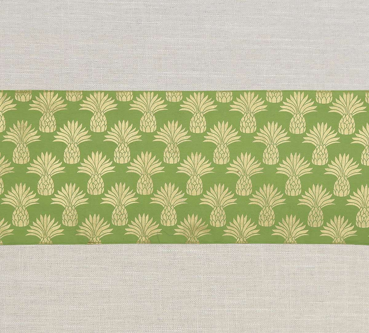India Circus Pineapple Table & Bed Runner