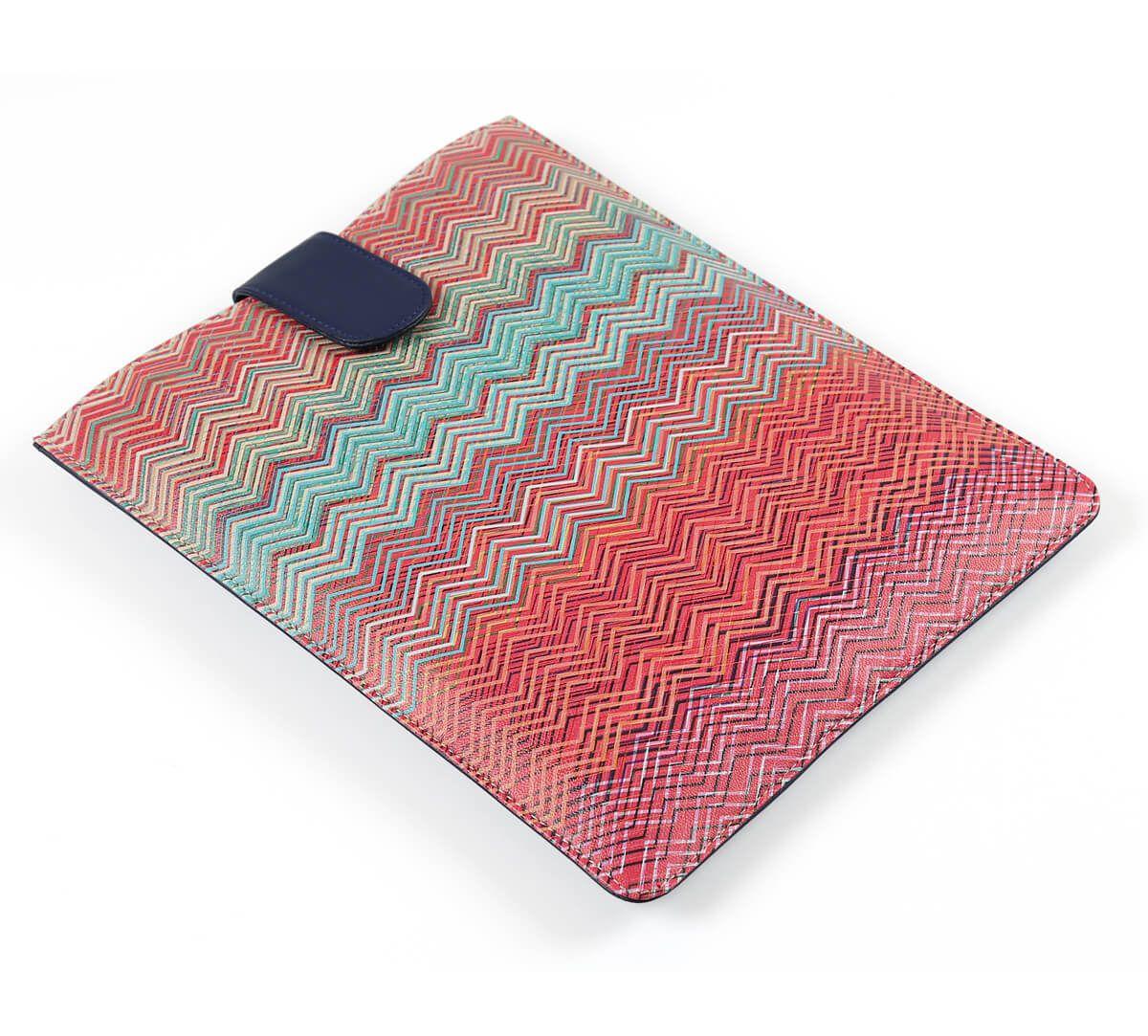 India Circus Waves of Chevron iPad Sleeve