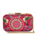 India Circus Pecking Chakra Clutch