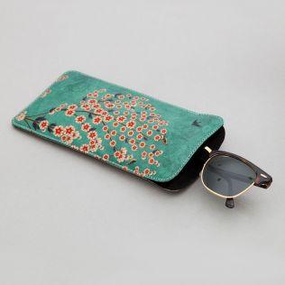 Beryl Boutonniere Spectacle Case