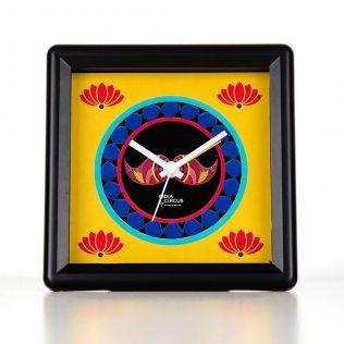 C est La Vie Table Clock