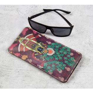 Divine Harmony Spectacle Case