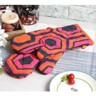 India Circus Prismatic Hexagons Oven Mitts