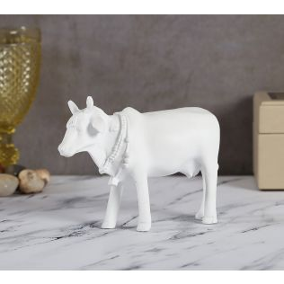 India Circus Snow White Cow Figurine