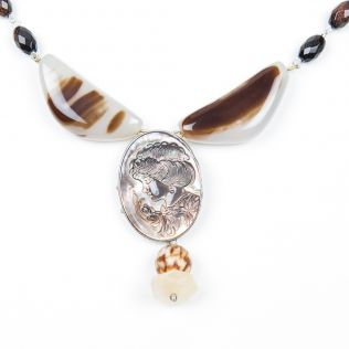 The Cliff hanger Necklace